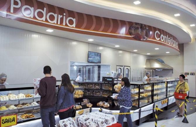 Super Vipi comemora 33 anos com diversas ofertas e forte investimento na loja de Beltrão