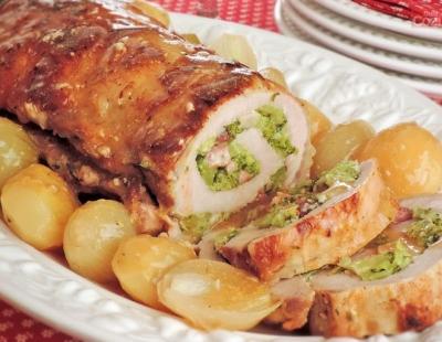 Lombo recheado com brócolis e bacon